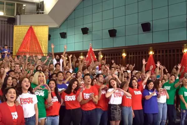 Pag-ibig , pamilya  ipinagdiriwang sa ABS-CBN  Christmas Station ID 2018