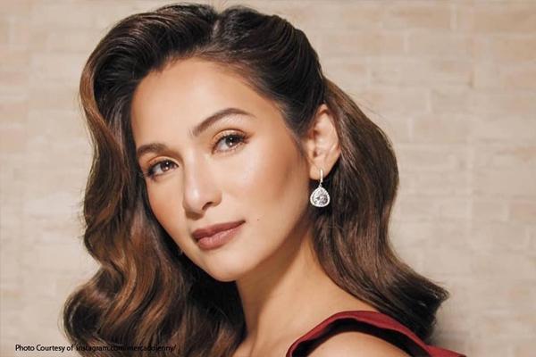 Jen Mercado, kinukumusta ang isang 'senador', 'blogger' at yung nagpa-mananita