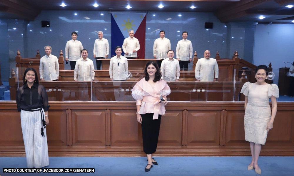 Mga senador hugas-kamay sa Senate coup